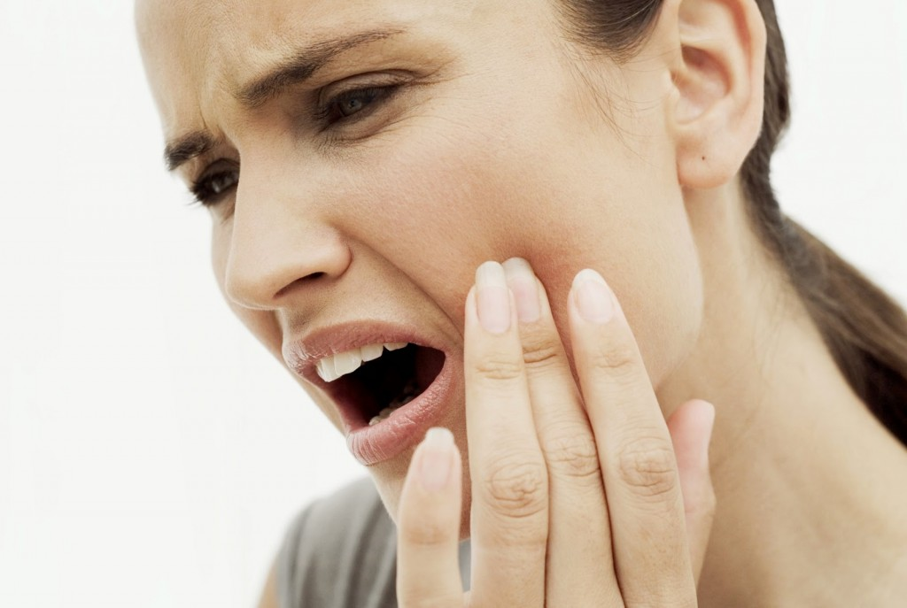 How To Get Rid Of Toothache With A Simple Home Remedies